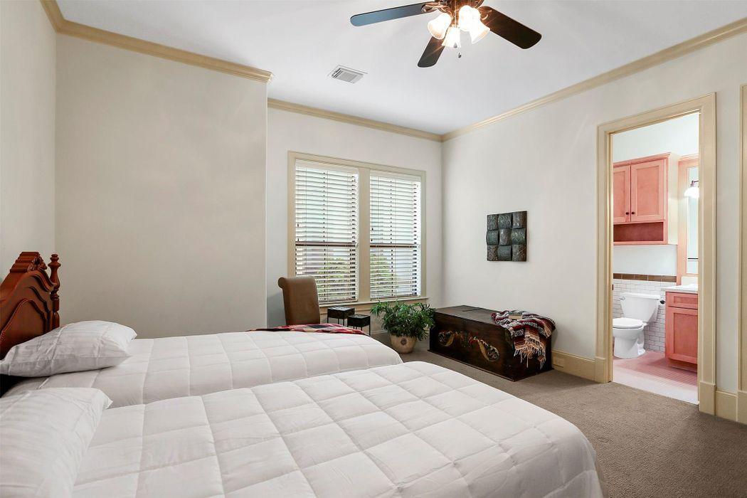 2217 Nantucket Drive Houston, TX 77057