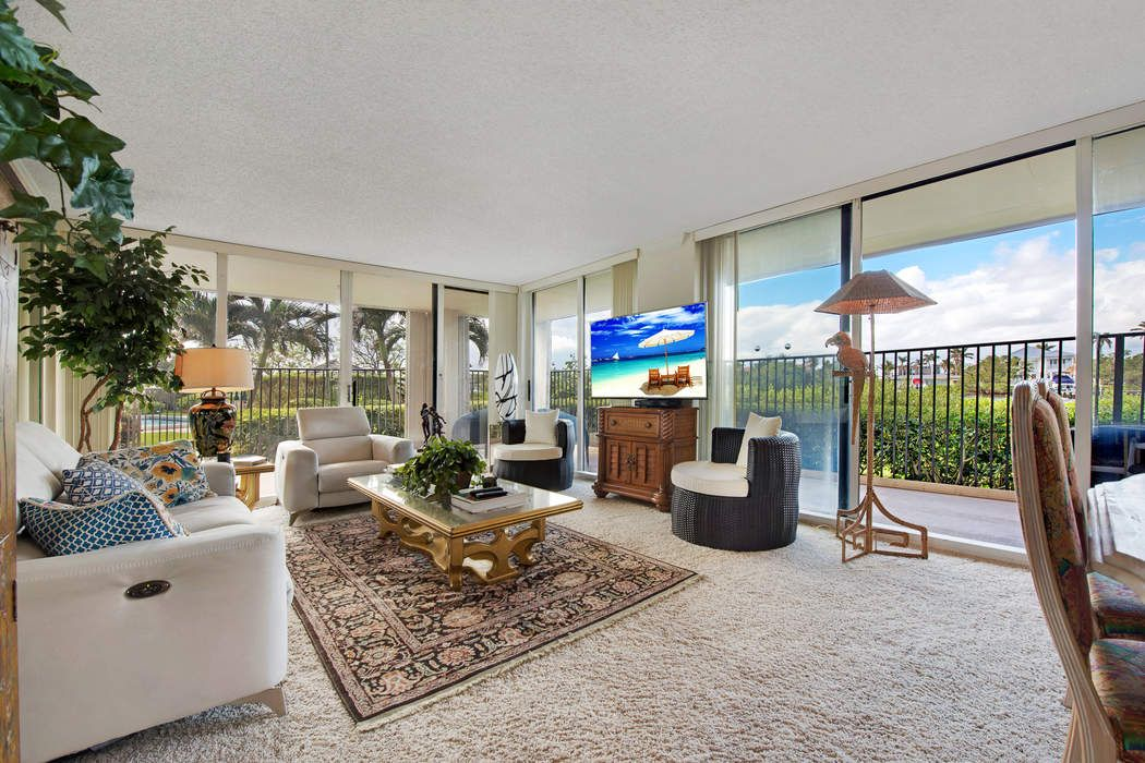 Wrap-Around Intracoastal Views