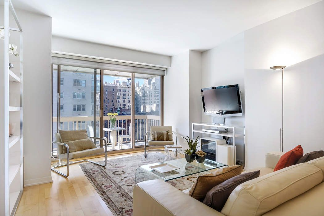 200 East 69th Street, Apt. 7M