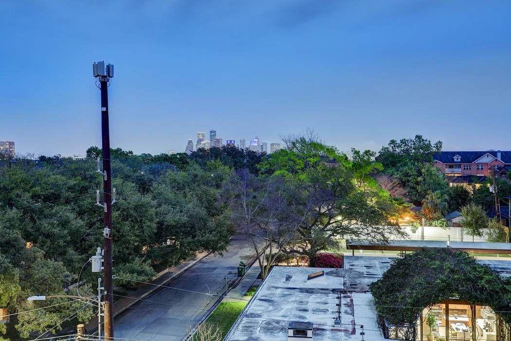 2221 Welch Street Houston, TX 77019