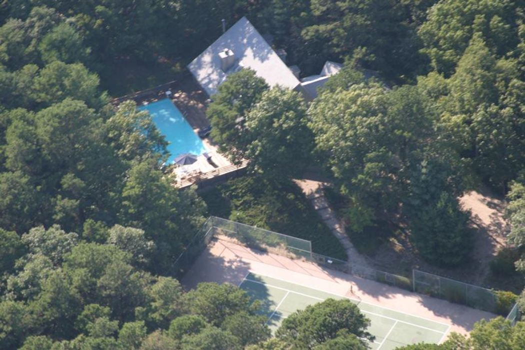 East Hampton with Pool and Tennis