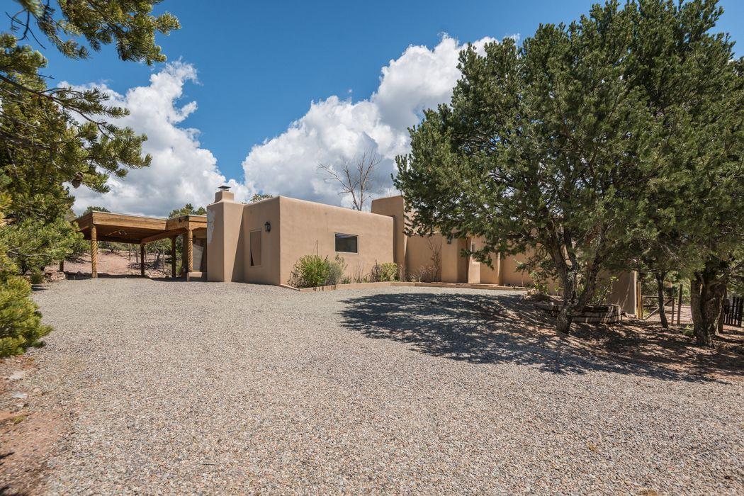 113 Camino Encantado Santa Fe, NM 87501