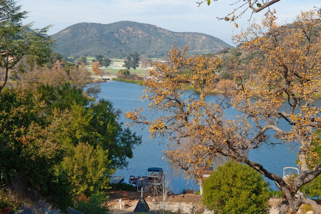 115 Giles Road Lake Sherwood, CA 91361