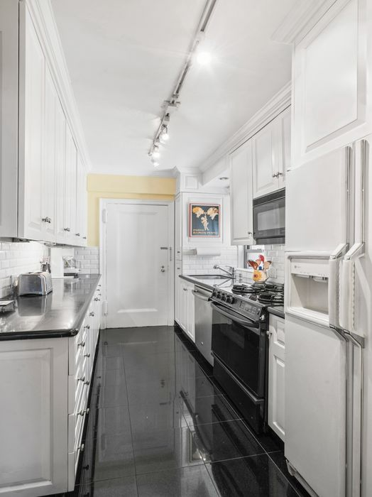 400 East 59th Street New York, NY 10022