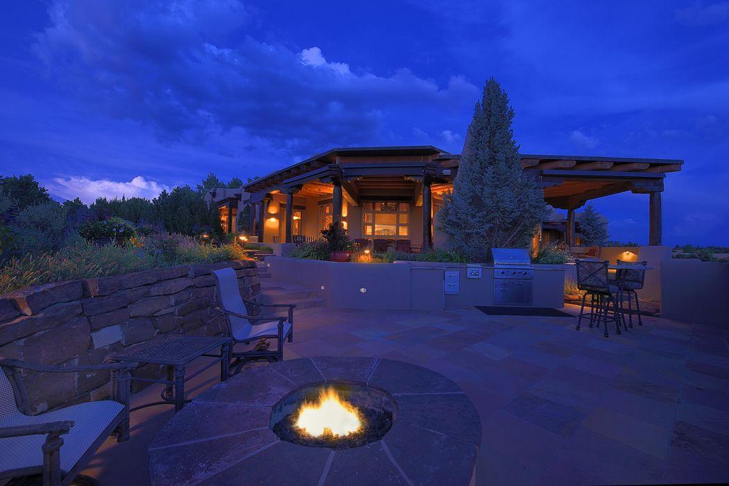 17 Storm View Ln Santa Fe, NM 87506