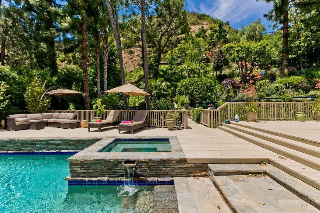 3479 Mandeville Canyon Road Los Angeles, CA 90049