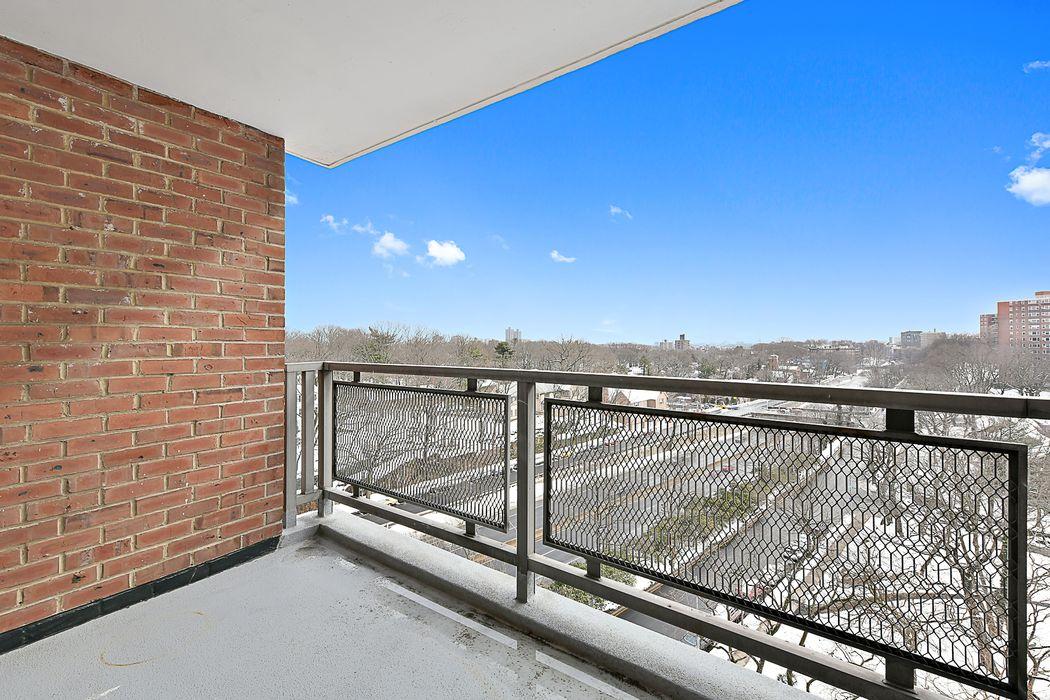 4705 Henry Hudson Parkway Riverdale, NY 10471