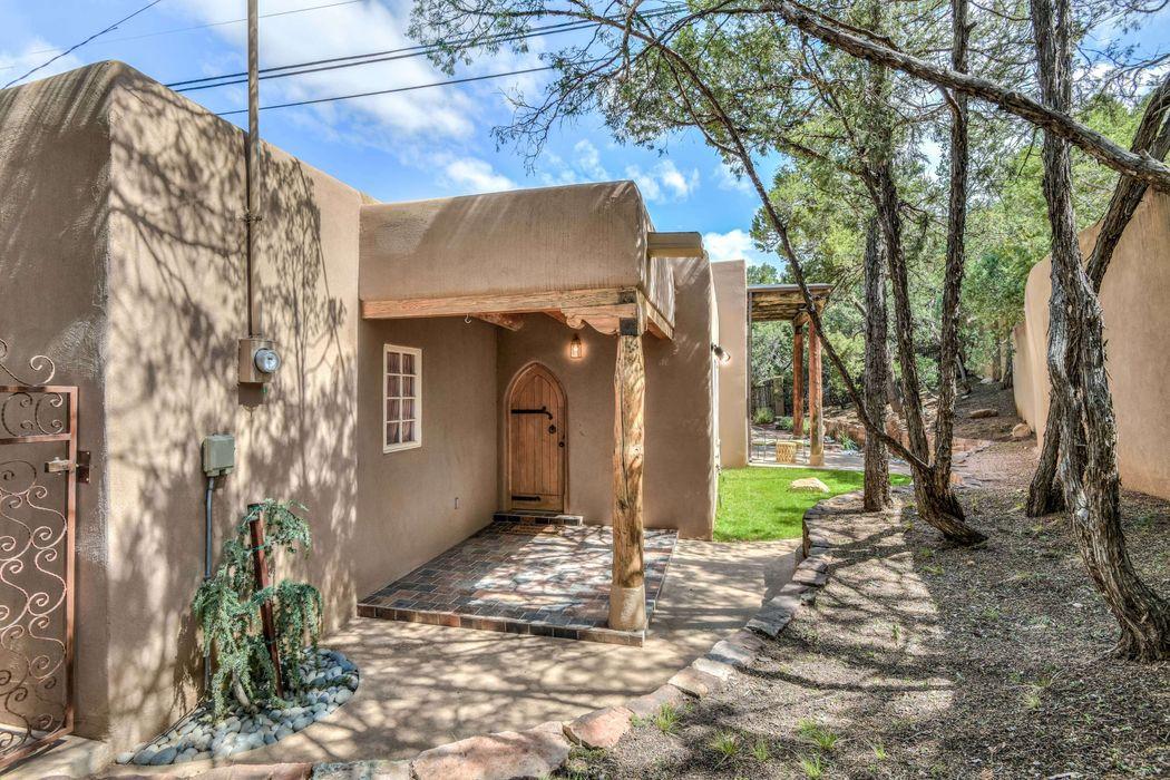 2212 Paseo Primero Santa Fe, NM 87501