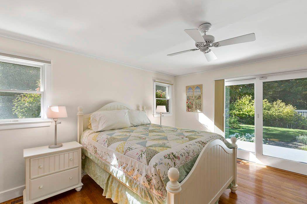 Beautiful Landfall Contemporary East Hampton, NY 11937