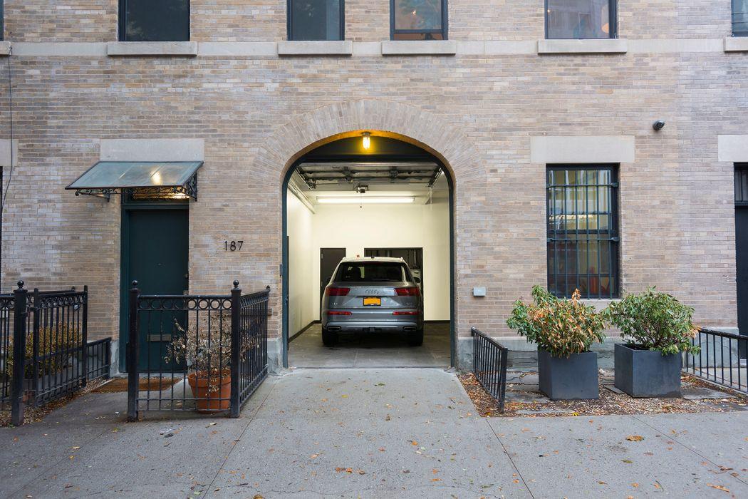187 Vanderbilt Avenue Brooklyn, NY 11205