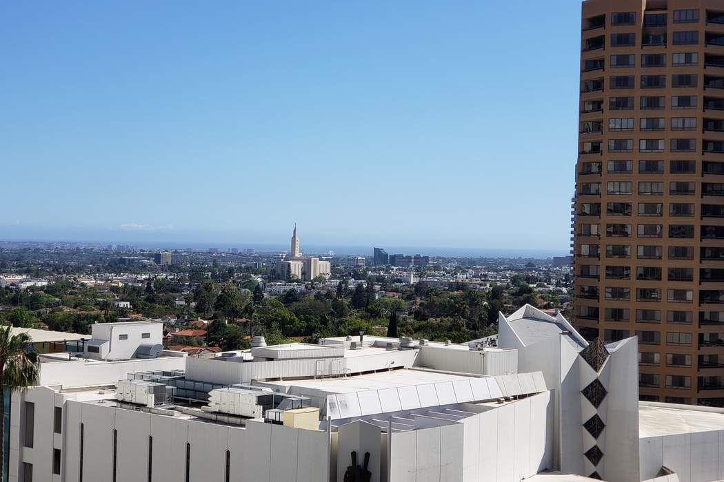 10375 Wilshire Blvd. Los Angeles, CA 90024