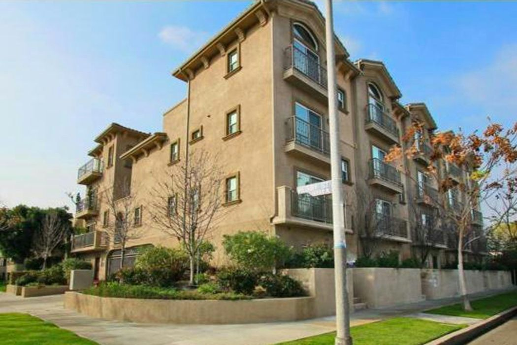 10803 Hesby Street Unit 105 North Hollywood, CA 91601