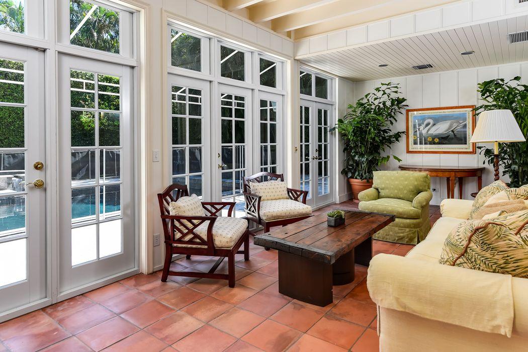 311 Pendleton Ln Palm Beach, FL 33480