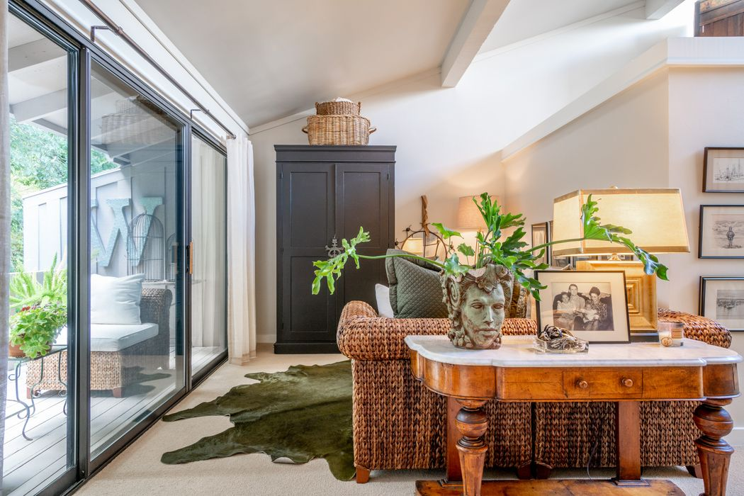9669 Willow Court Carmel Valley, CA 93923