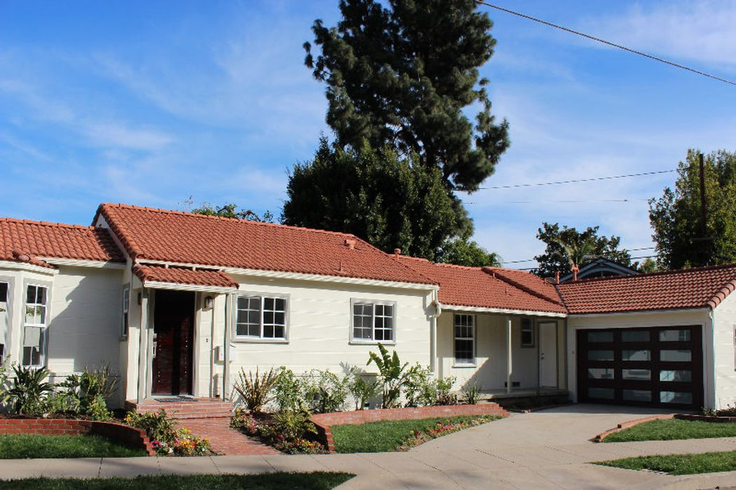 Light and bright Westwood Traditional
