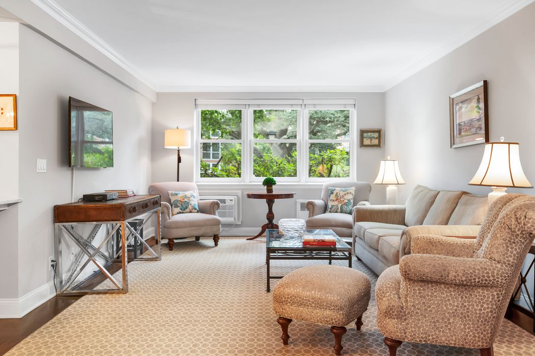2 Putnam Hill Greenwich, CT 06830
