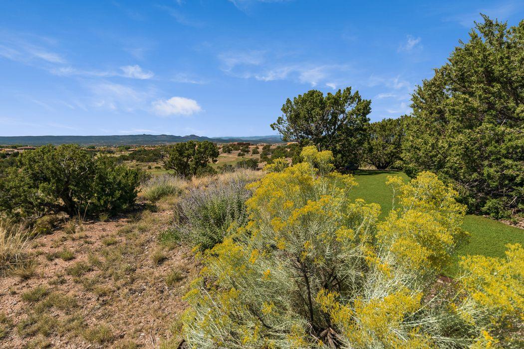 127 Wildhorse Santa Fe, NM 87506