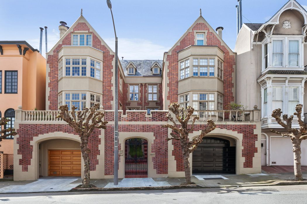 Sophisticated Pacific Heights Flat San Francisco, CA 94109
