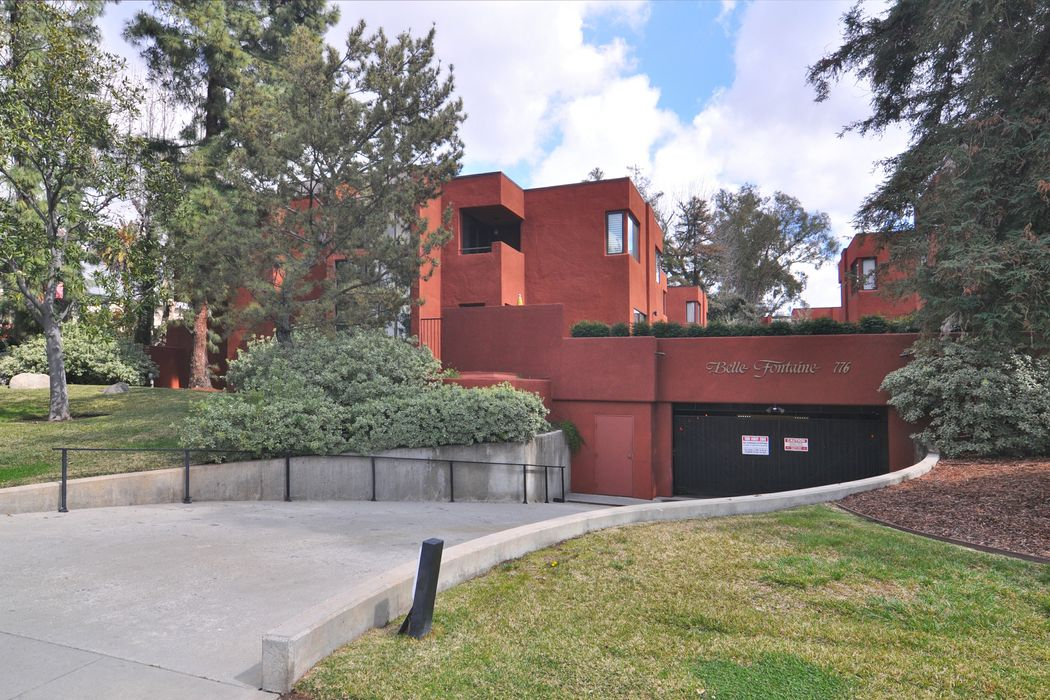 776 South Orange Grove Boulevard Pasadena, CA 91105