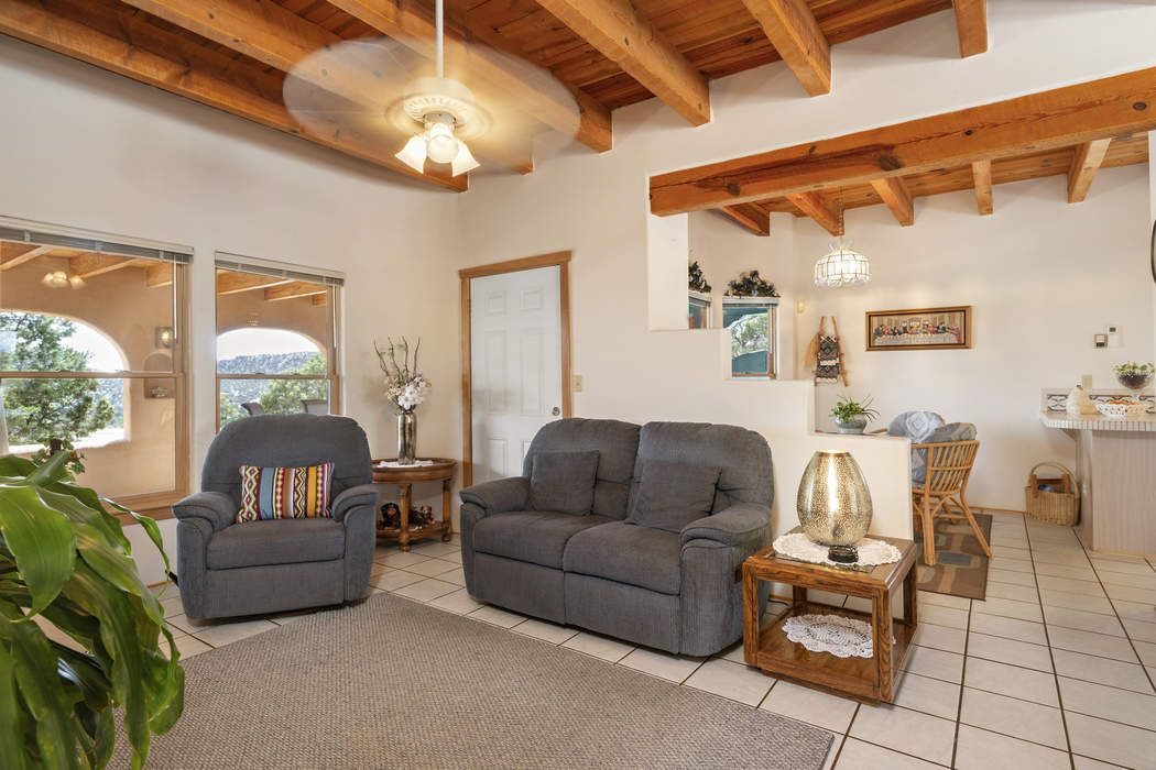 75 Calimo Circle Santa Fe, NM 87505