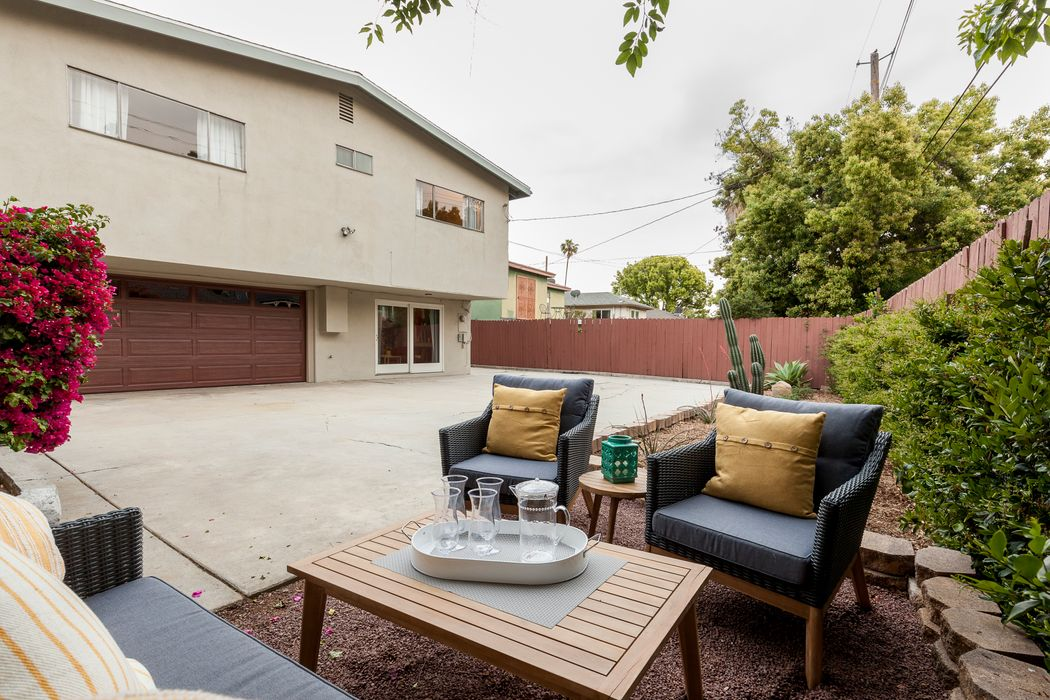 919 Cresthaven Drive Highland Park, CA 90042