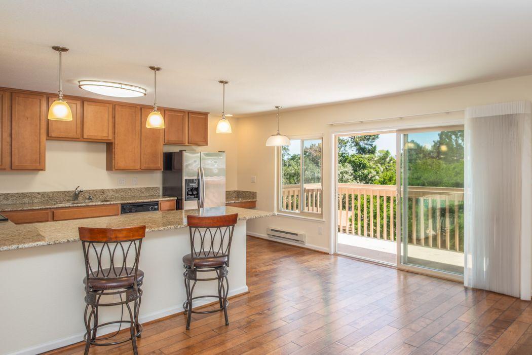 300 Glenwood Circle #285 Monterey, CA 93940