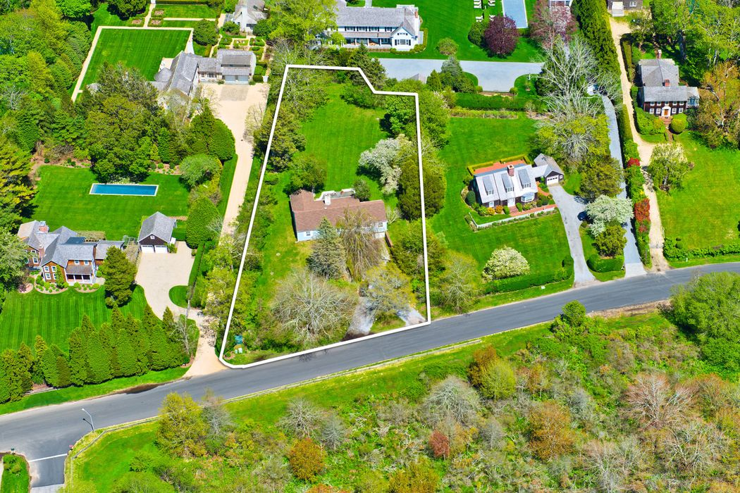 38 Egypt Lane East Hampton, NY 11937