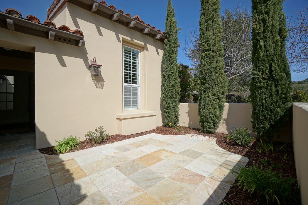 125 Las Brisas Drive Monterey, CA 93940