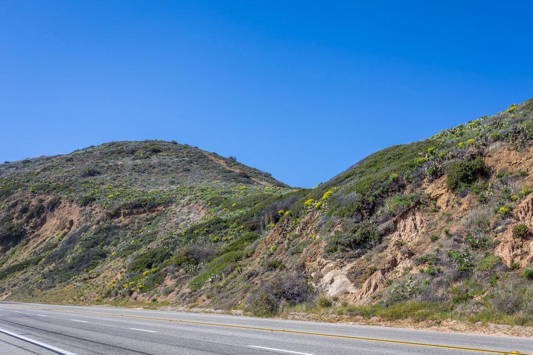 Malibu Beach Home on Private Beach Surf Malibu, CA 90265
