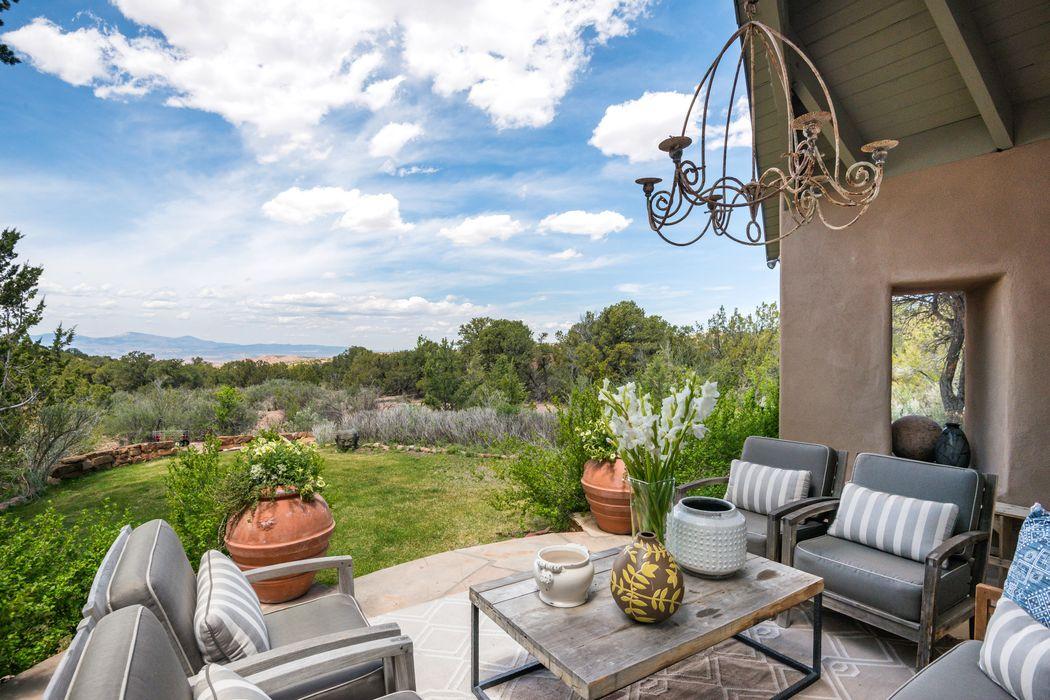 55 Paseo Del Rancho Santa Fe, NM 87506
