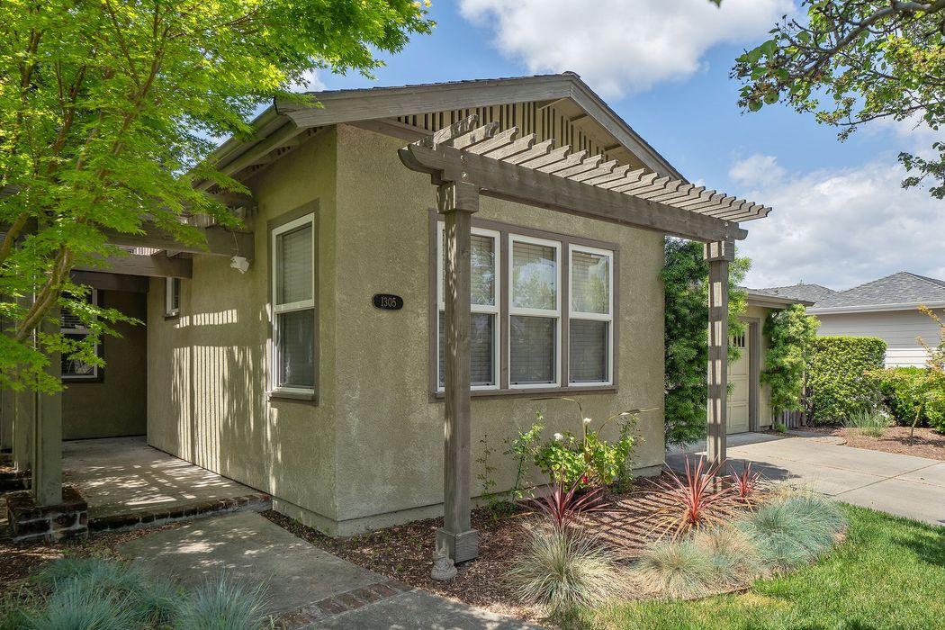 1305 Brockman Ln Sonoma, CA 95476