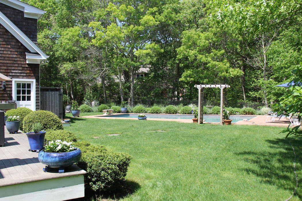 Charming Traditional, East Hampton East Hampton, NY 11937