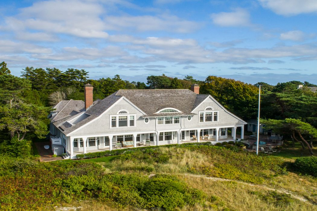 995 Sea View Avenue Osterville, MA 02655