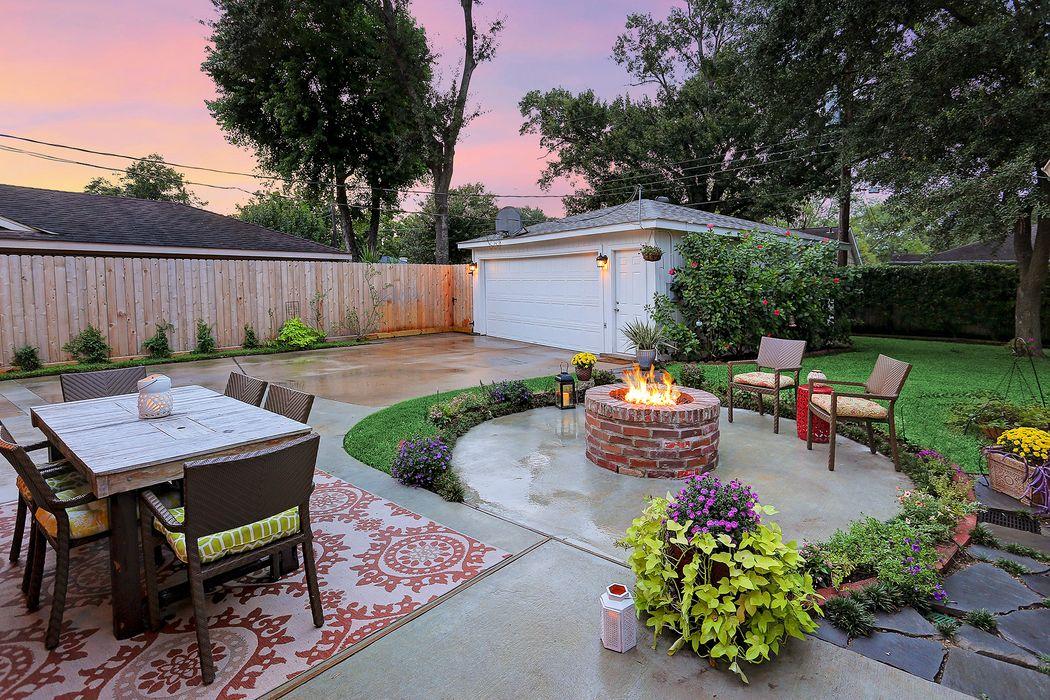 5722 Reamer Street Houston, TX 77096