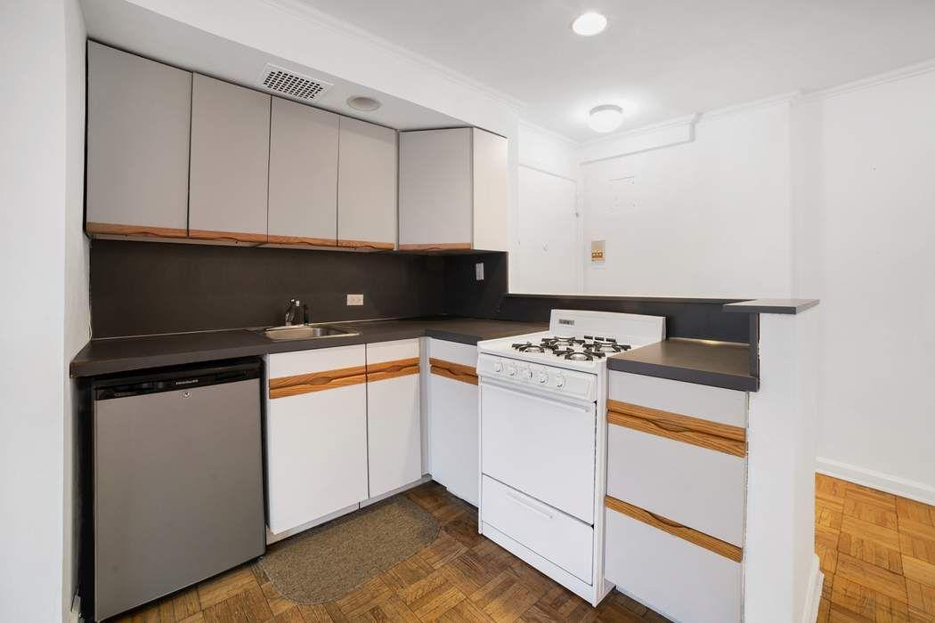 110 East 36th Street New York, NY 10016