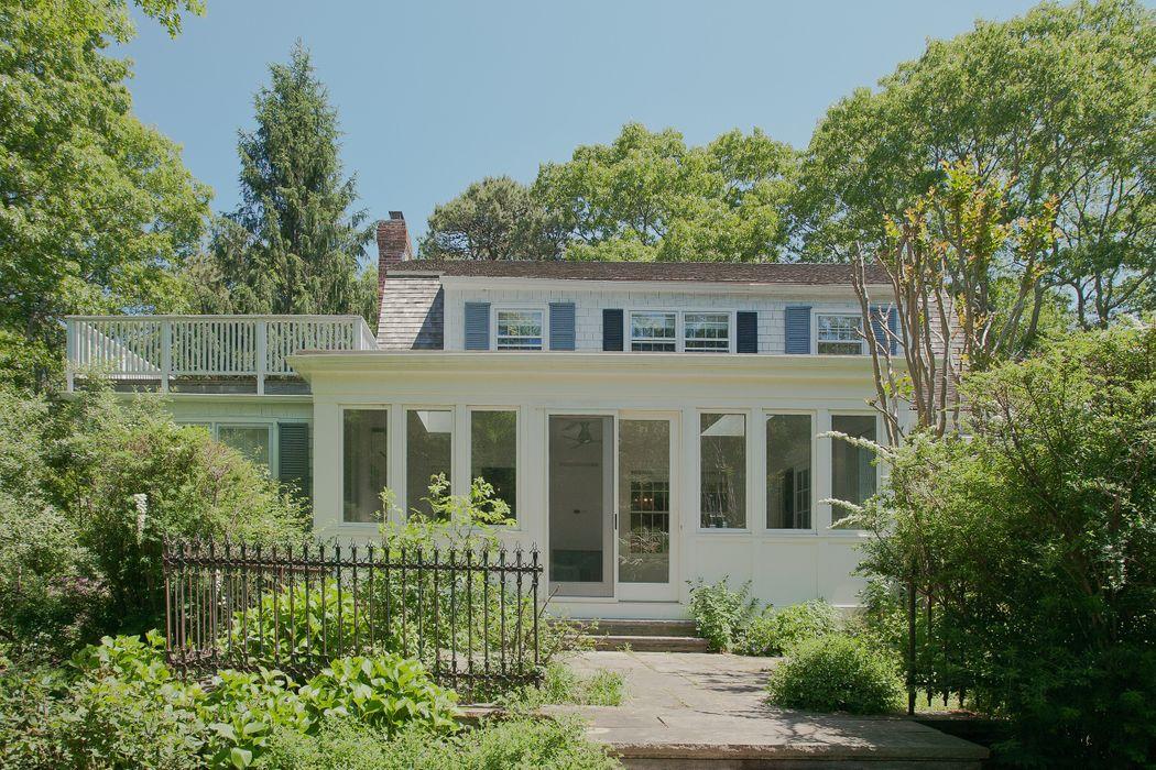 25 Grape Arbor Lane East Hampton, NY 11937