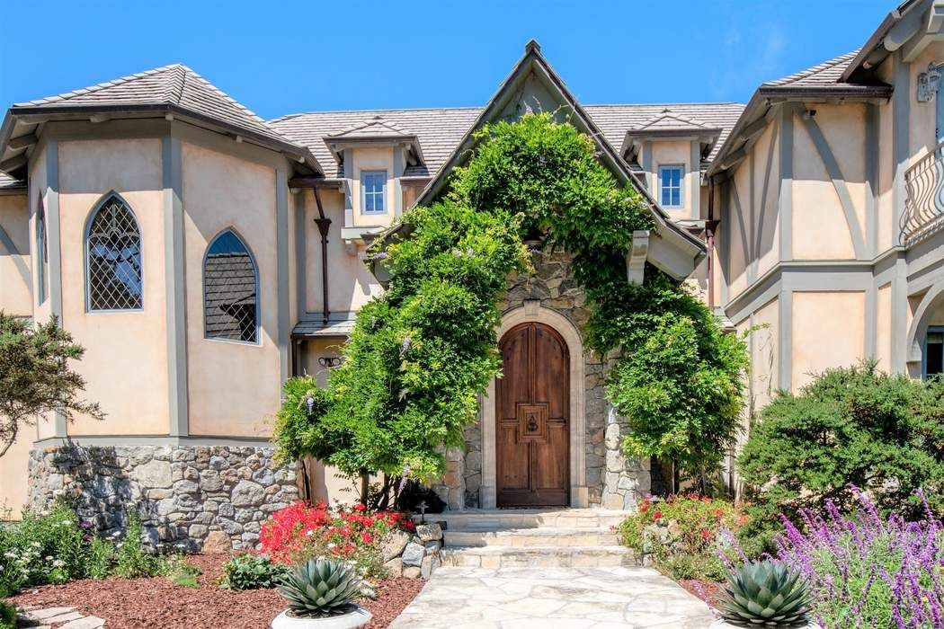 24316 Monterra Woods Road Monterey, CA 93940