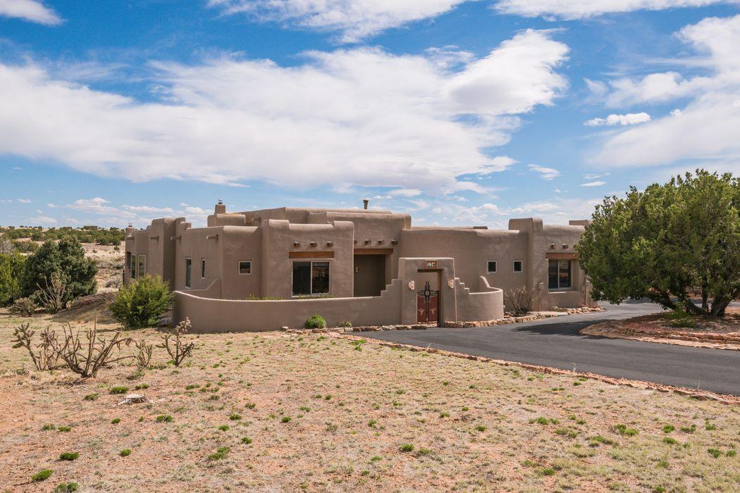 23 Firerock Rd Santa Fe, NM 87508