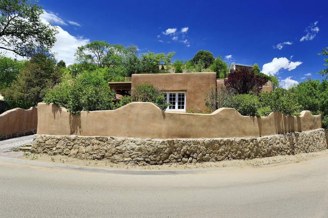 525 Hillside Ave. Santa Fe, NM 87501