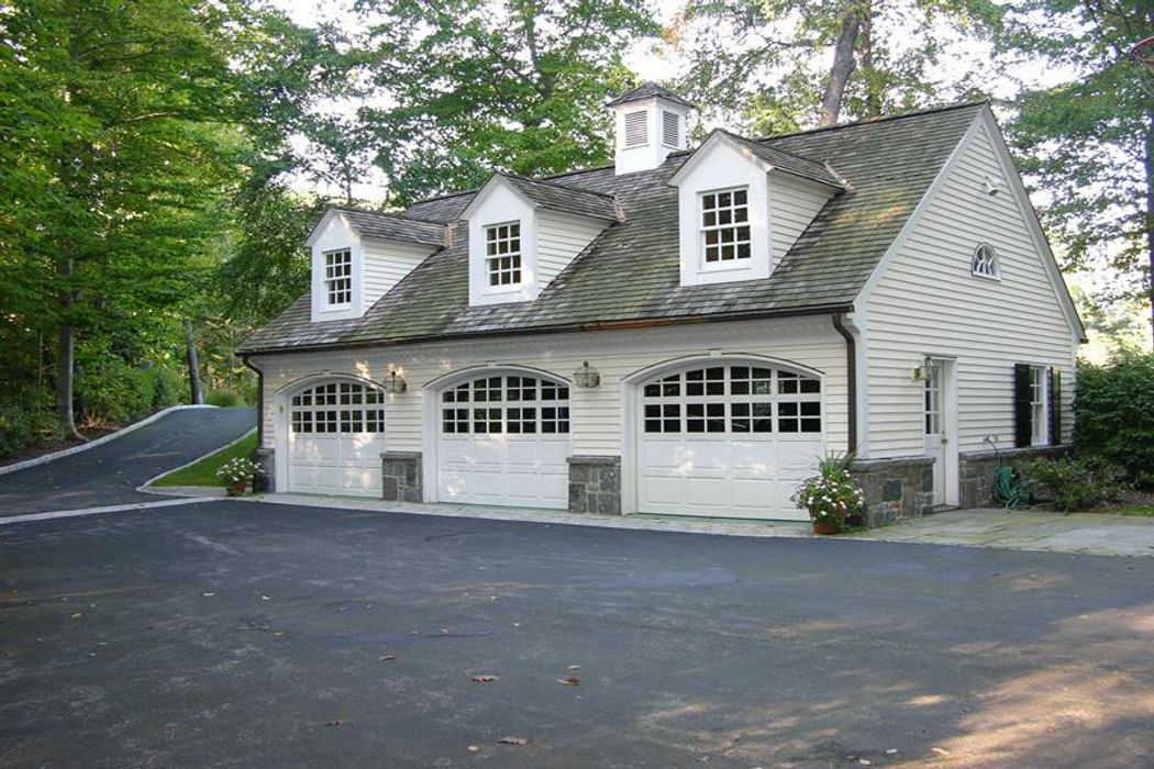 Private Association in Round Hill Greenwich, CT 06831