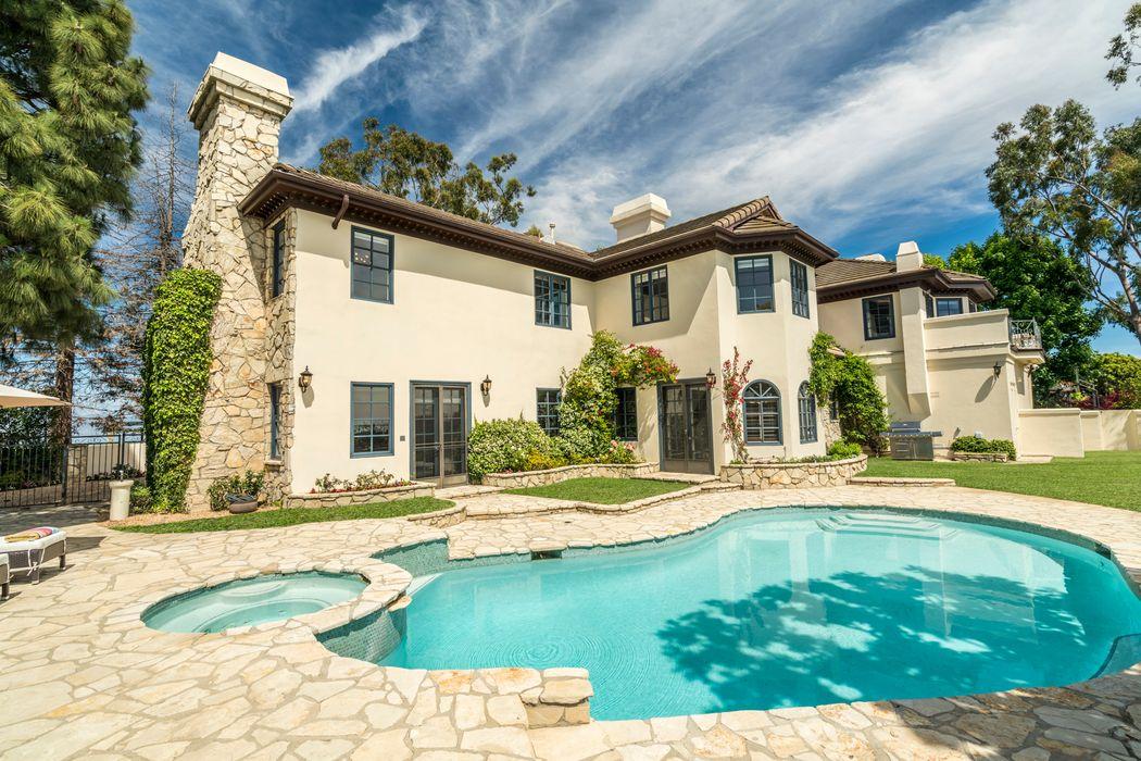12072 Crest Court Beverly Hills, CA 90210