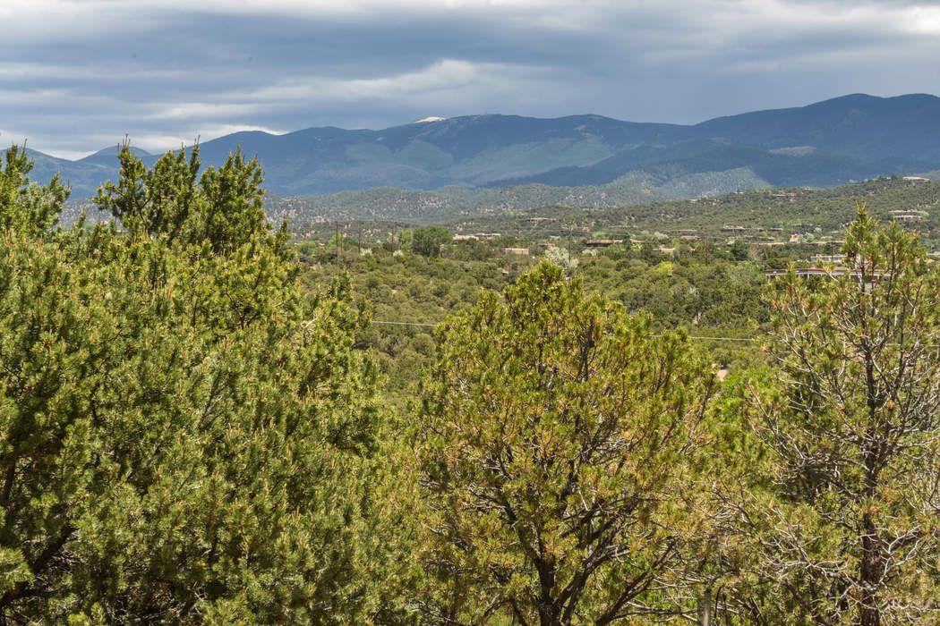 1003 Governor Dempsey Santa Fe, NM 87501