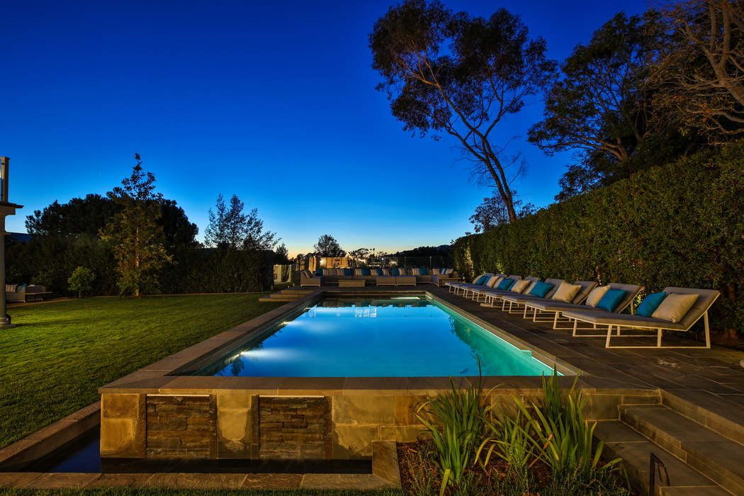 687 Amalfi Drive Pacific Palisades Ca 90272 Sotheby S