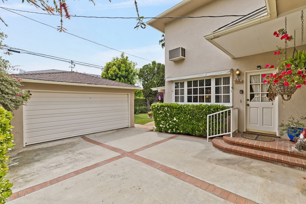 16030 Northfield Street Pacific Palisades, CA 90272