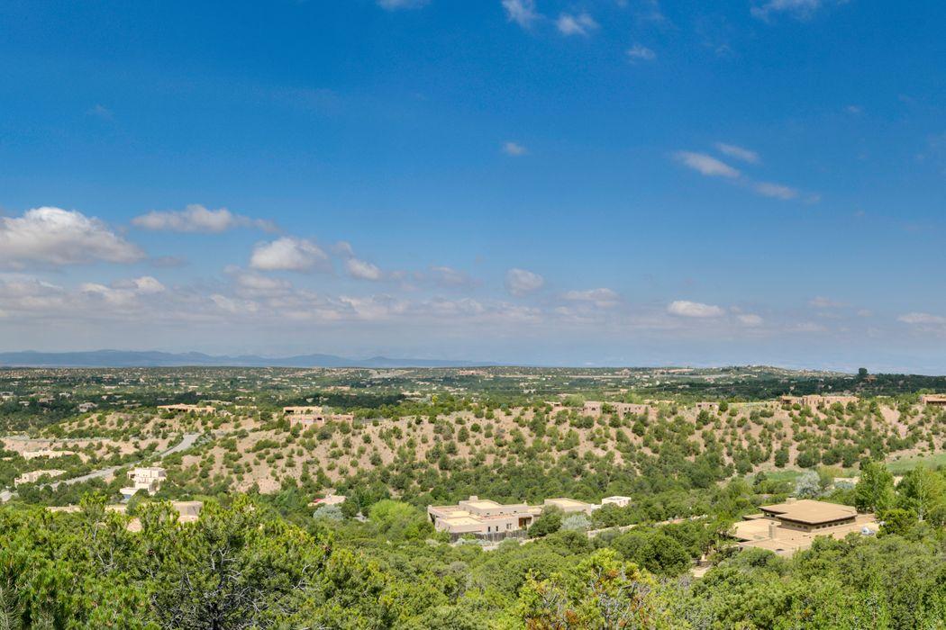 1119 Piedra Rondo Santa Fe, NM 87501