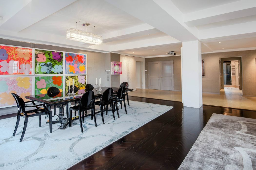 28 East 70th Street New York, NY 10021