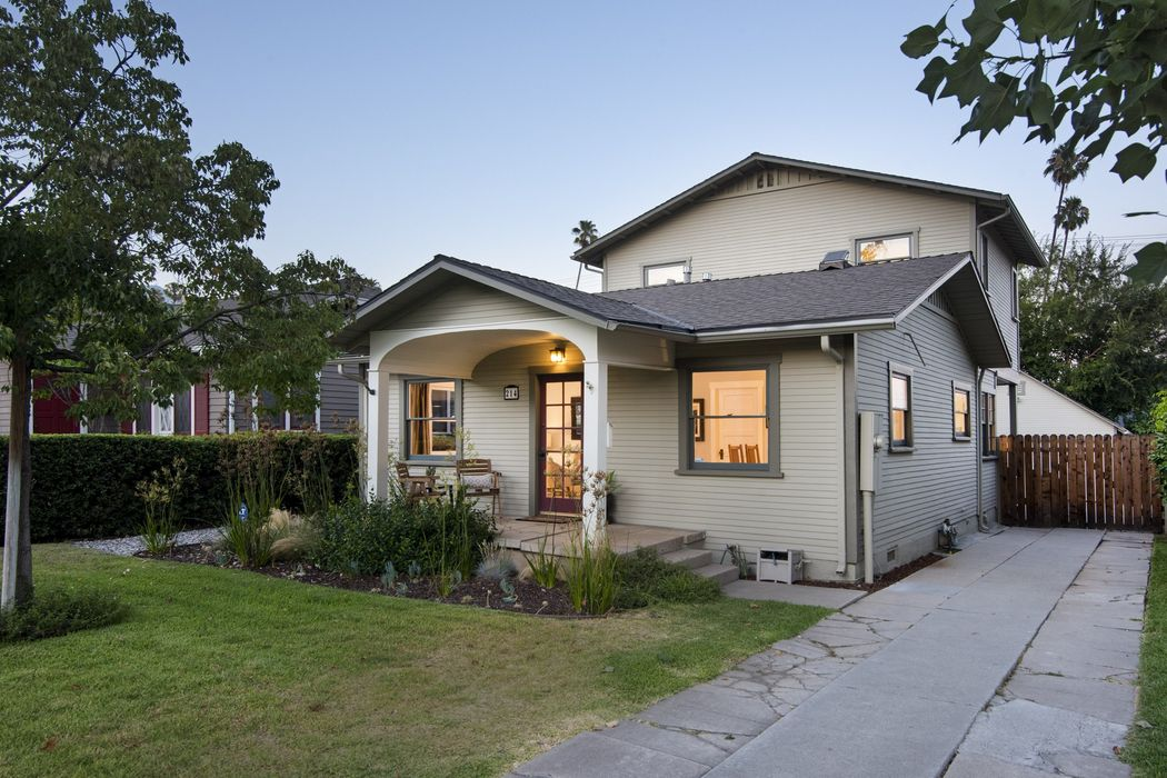Charming Southwest Pasadena Craftsman