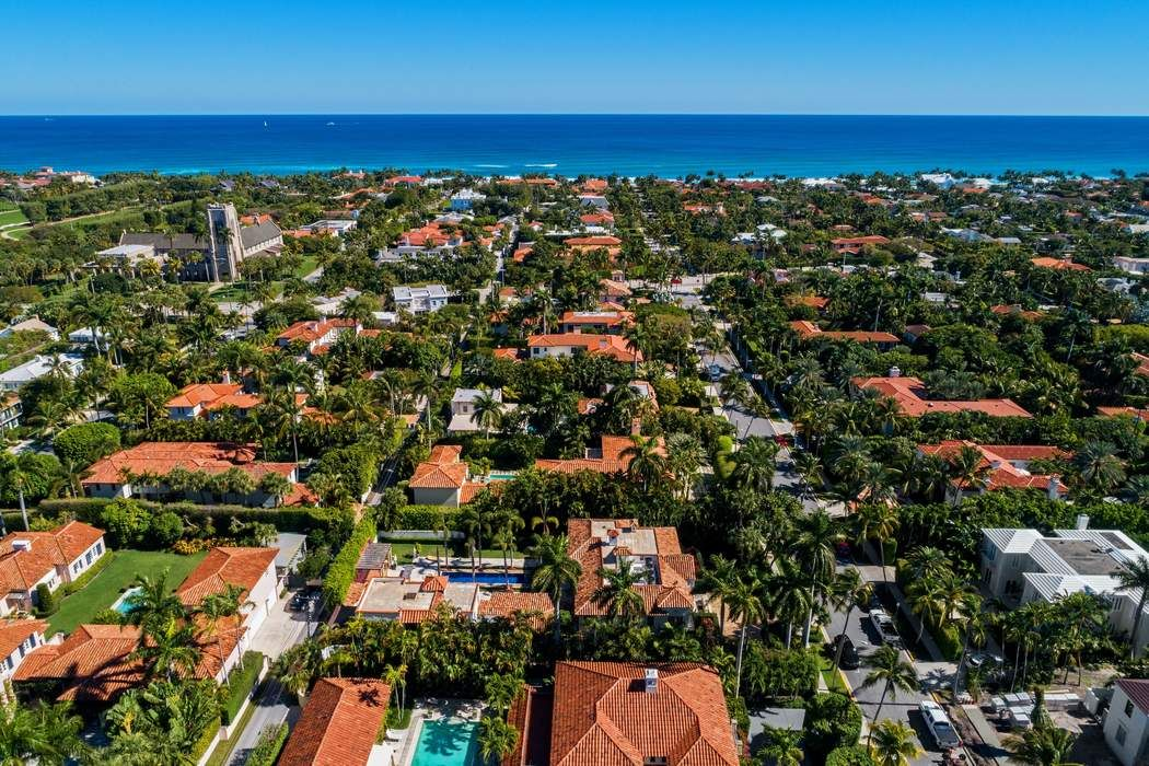 255 Clarke Ave Palm Beach, FL 33480