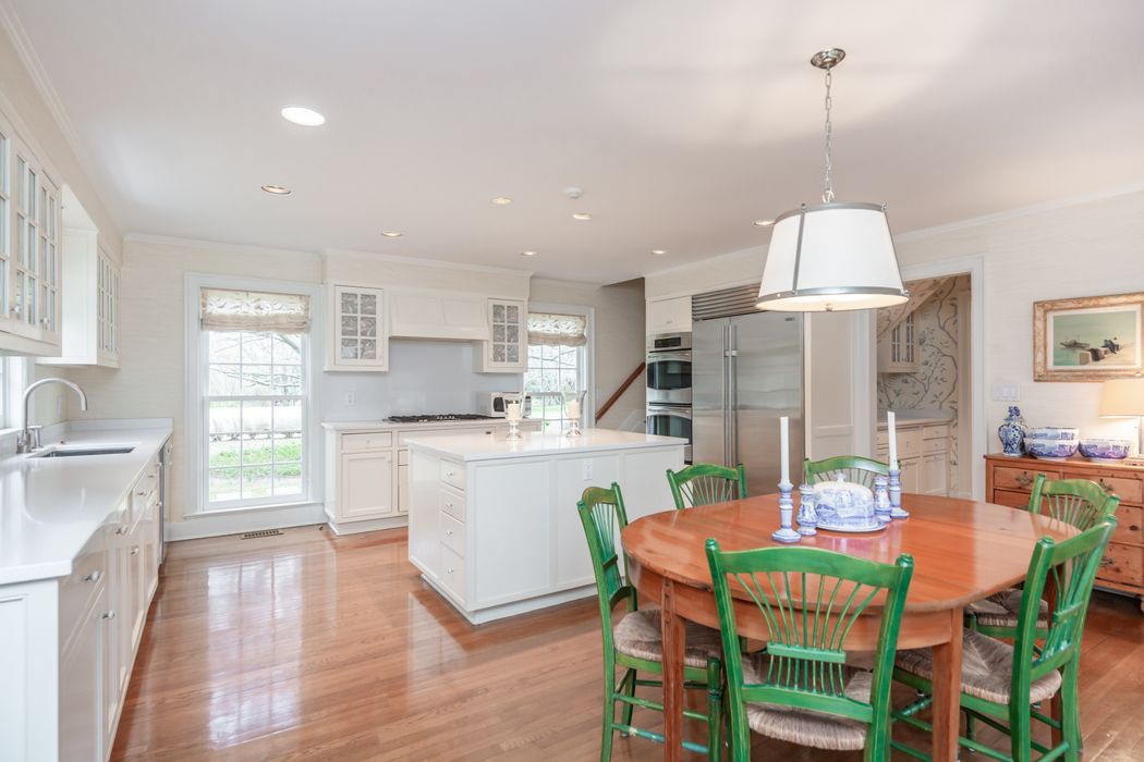 19 Amys Lane East Hampton, NY 11937