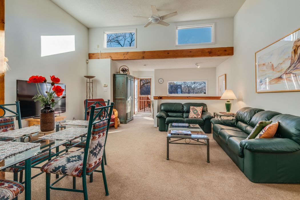 223 B E. Santa Fe Avenue Santa Fe, NM 87505